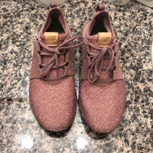 New Balance- Cruz Sneaker
